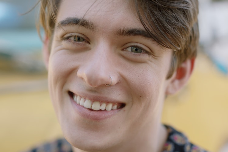 Person som smiler