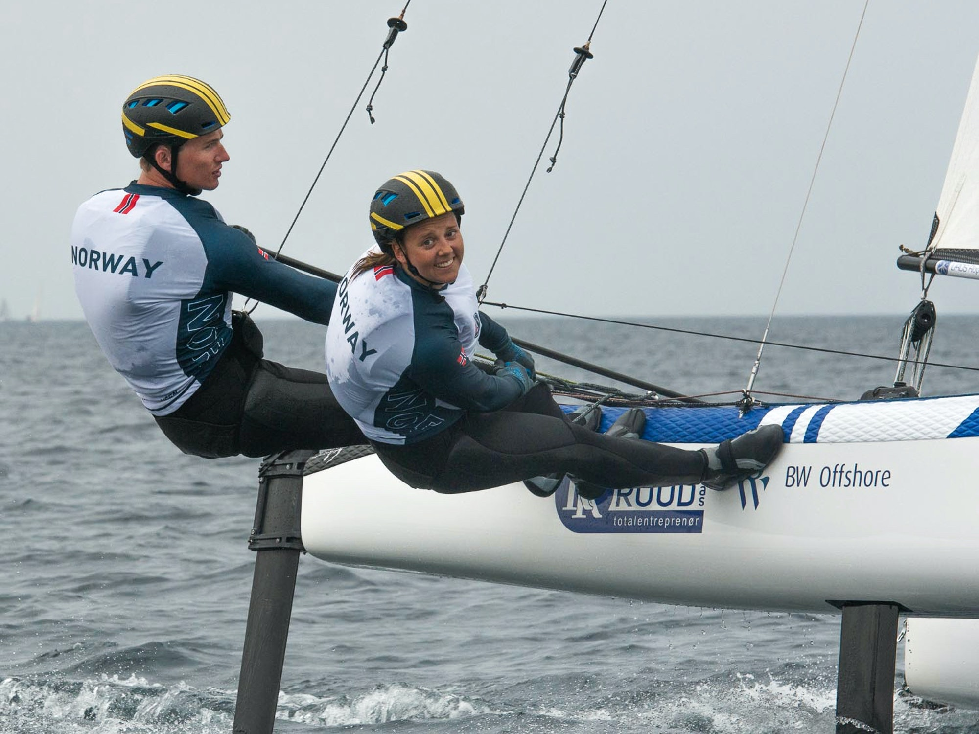 Bilde av seilerne Martine Steller Mortensen og Nicholas Fadler Martinsen