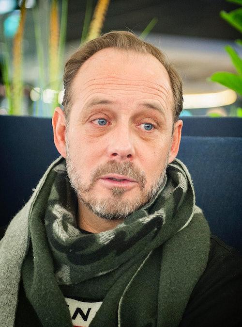 Rune forteller om vedvarende tørre øyne og øyekatarr, og behandlingen hos Krogh Optikk