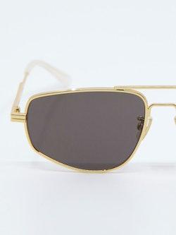 Nærbilde av solbrille BV1125s