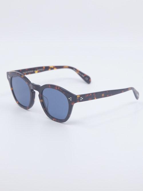 Bilde av solbrille fra Oliver Peoples, modellnummer OV5382SU