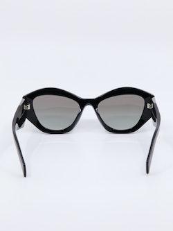 Bilde av solbrille fra Prada, modellnummer PR07YS