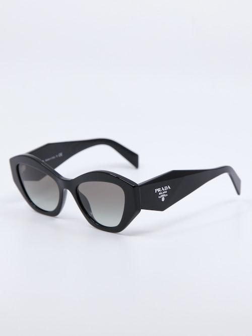 Bilde av solbrille modellnr PR07YS fra Prada