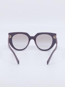 Solbrille fra Prada, modellnummer PR14ws