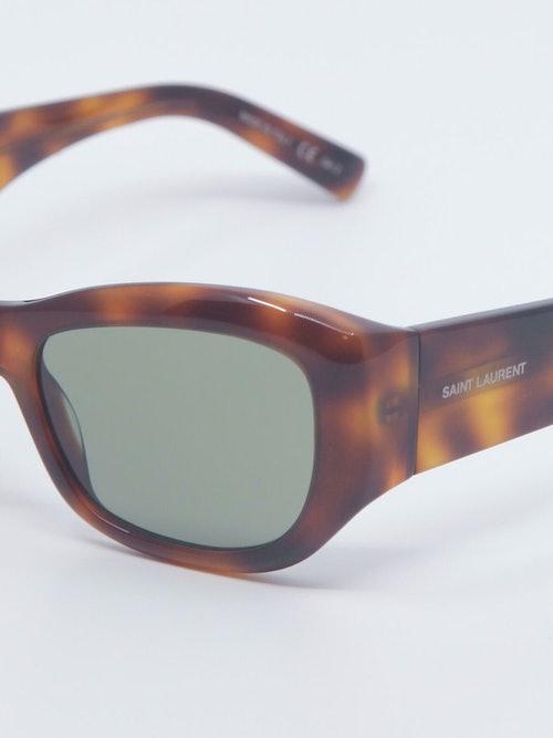 Nærbilde av solbrille SL498