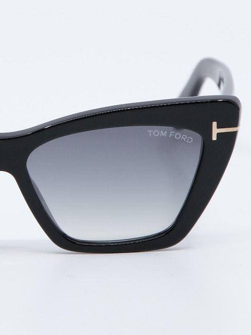 Nærbilde av solbrille FT0871 WYATT fra Tom Ford
