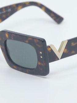 Nærbilde av solbrille VA4094