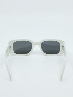 Bilde av solbrille fra Prada med modellnummer PR17WS