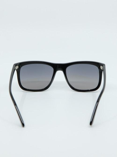 Bilde av solbrille fra Prada med modellnummer PR18WS