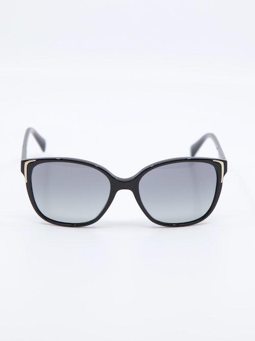 Bilde av solbrille fra prada med modellnummer pr01OS
