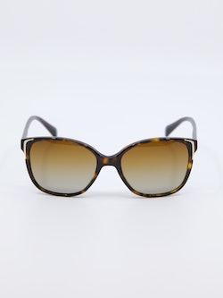 Bilde av solbrille fra prada modellnummer pr01OS