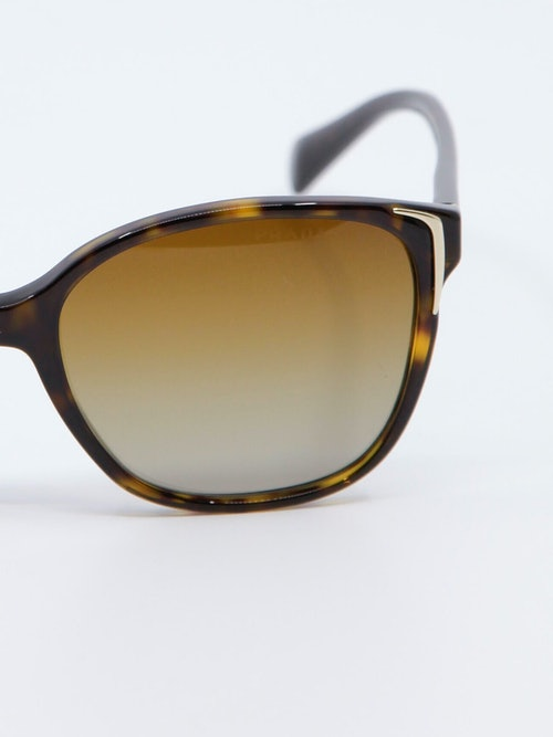 Bilde av solbrille fra Prada modell PR01OS
