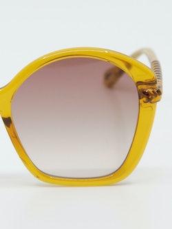 Nærbilde av solbrille CH0003s