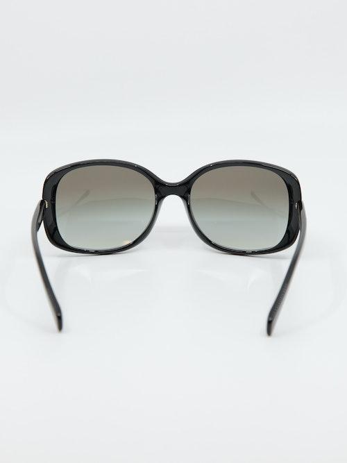 Bilde av solbrille fra prada med modellnummer pr08os