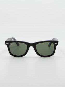 Bilde av solbrille fra ray ban modellnummer 2140