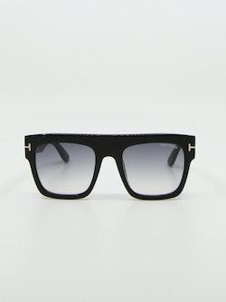 Bilde av solbrille fra tom ford modellnummer tf847 renee