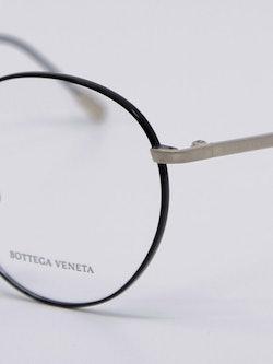 Nærbilde av innfatning fra Bottega Veneta