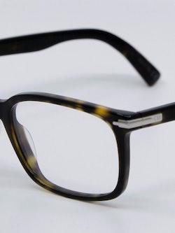 Nærbilde av brille fra Dior