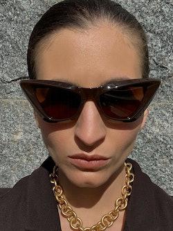 Bilde av Katarina med solbrille fra Bottega Veneta