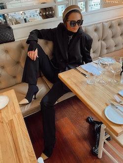 Bilde av Camilla Abry med solbrille fra Bottega Veneta