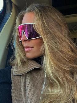 Bilde av Maria Murstad med solbrillen Sutro fra Oakley