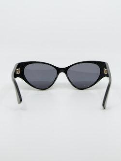 Bilde av Bottega Veneta solbrille bak modellnummer 1002S