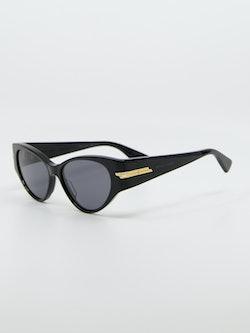 Bilde av Bottega Veneta solbrille side modellnummer 1002S