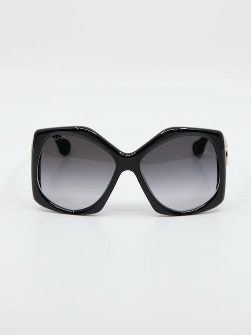 Bilde av solbrille GG0875s fra Gucci i farge sort